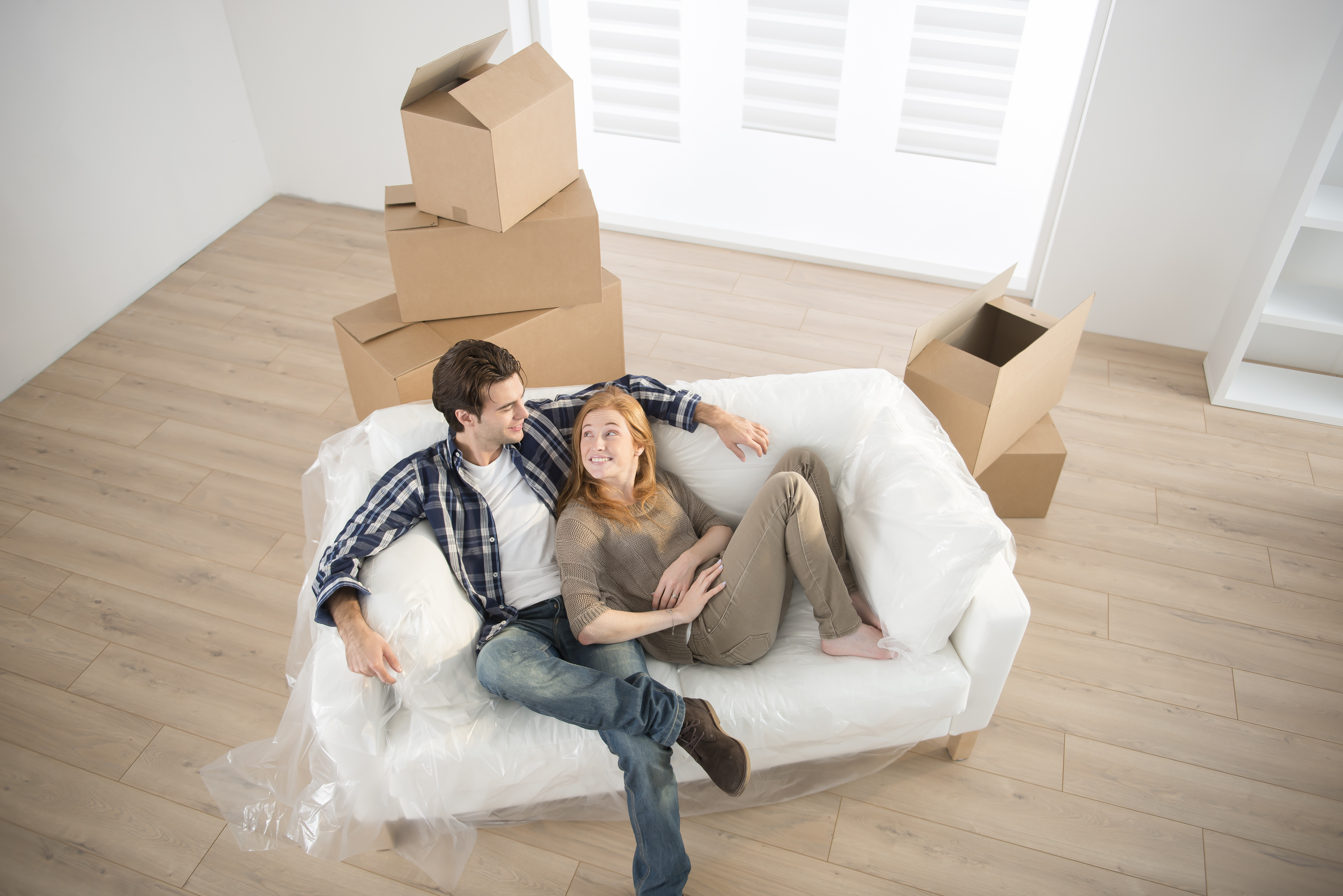 Mistakes you should avoid when buying a new home riverfront estates - Young couple modern homes ...
